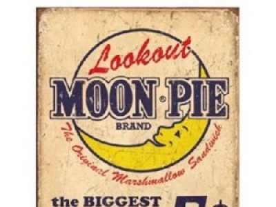 Moon Pie Takes Dig at Mr. Peanut...and Trump?